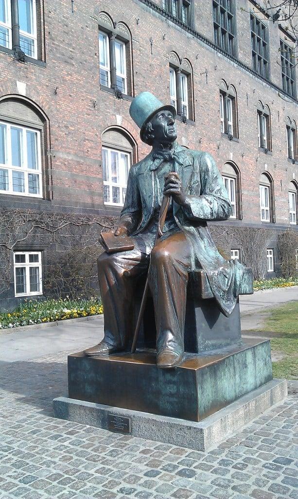 Copenhagen Town Hall Square (Rådhuspladsen)